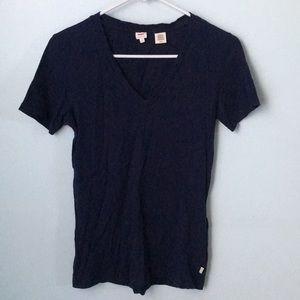 Levi's Navy blue v neck short sleeve short
